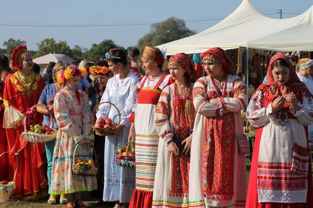 Russian traditional dresses